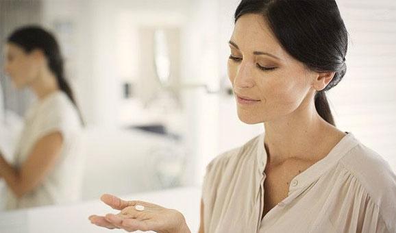 如何让卫浴镜子保持干燥 几点小技巧轻松解决