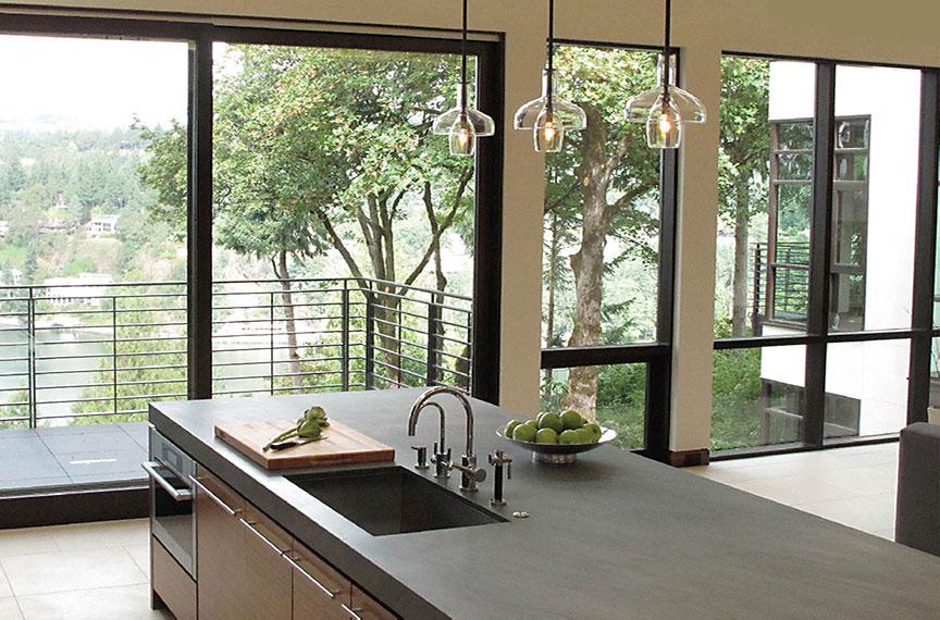 如何有效去除塑钢门窗框污渍