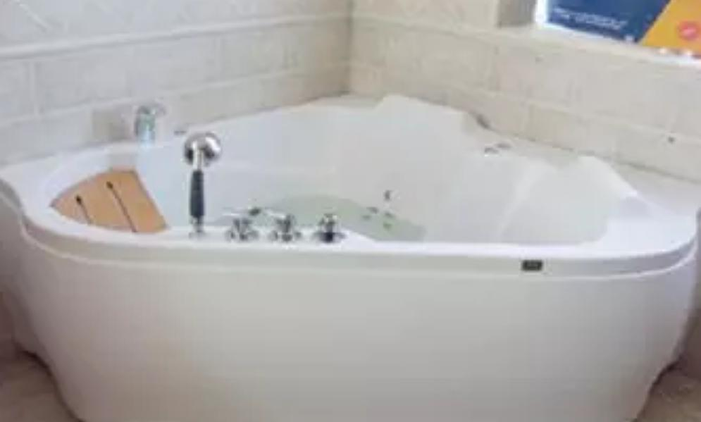 按摩浴缸应如何保养