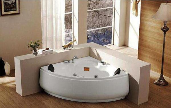 扇形浴缸如何选择?