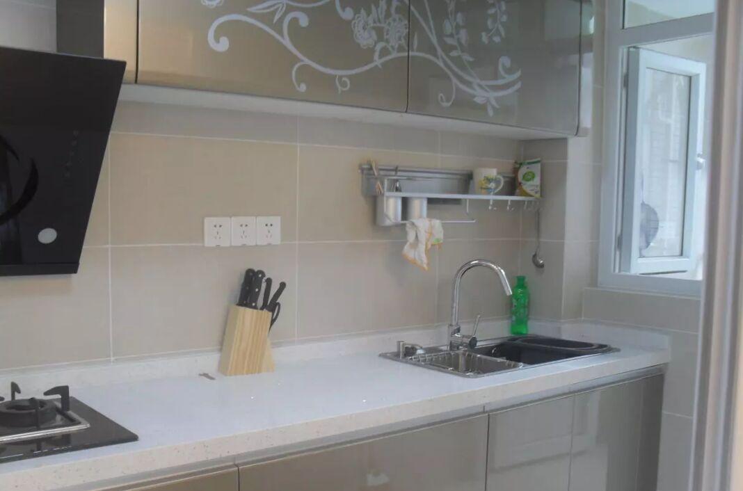 石英石橱柜台面的保养技巧